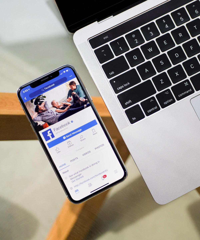 Corso online social media
