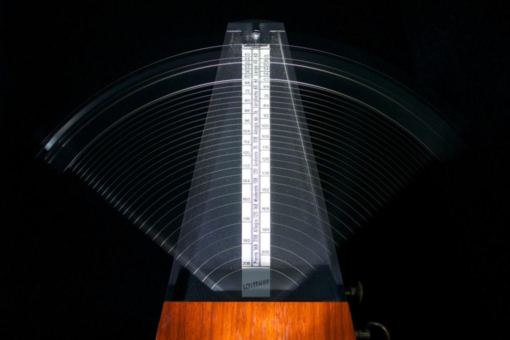metronomo che scandisce il tempo