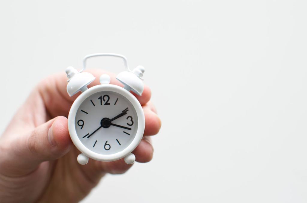 orologio bianco per gestire il tempo