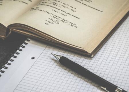 Lavoro senza laurea: perché valutare una formazione alternativa all'università