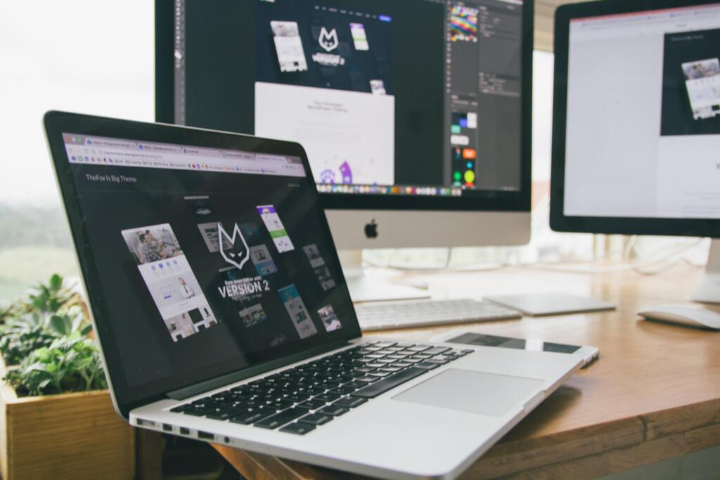 lavori senza laurea web designer